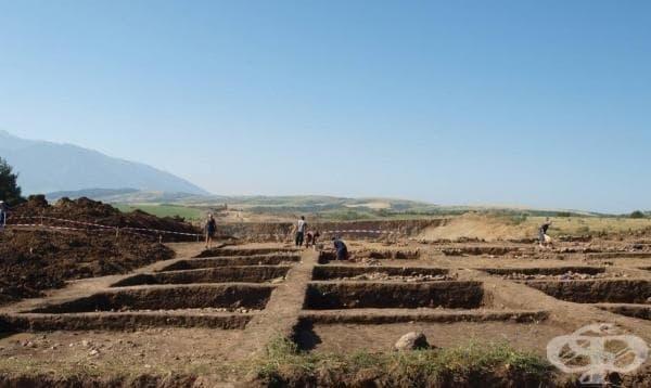 Тракийското селище край Мурсалево и ритуалните ями за жертвоприношения - изображение
