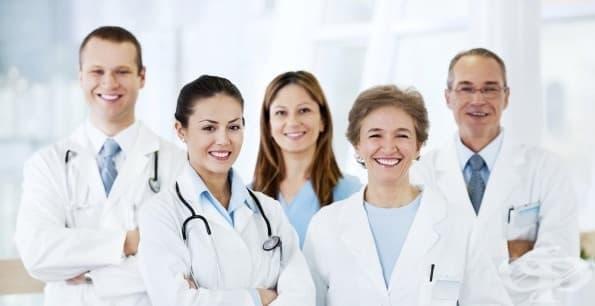 Кратка история на бялата медицинска престилка - изображение