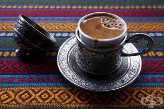 Защо през XVII в. англичанките искат да забранят на мъжете си да пият кафе - изображение