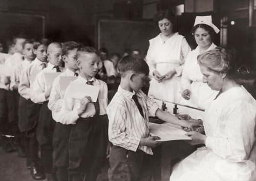 Примери за важната роля на ваксините в борбата с болестите в миналото   - изображение