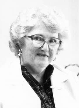 Принос на д-р Каролин Денинг в третирането на заболяването муковисцидоза - изображение