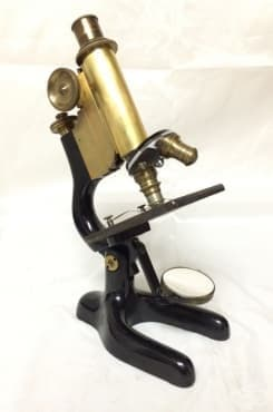 Развитие на микроскопията през 40-те години на 19 век, довело до откритието на болестта левкемия  - изображение
