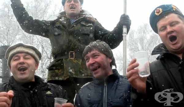 Няма да повярвате какво са консумирали алкохолиците в СССР - изображение