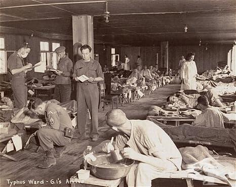 Тестването на препарати против тиф на компанията Bayer върху затворници в Аушвиц - изображение