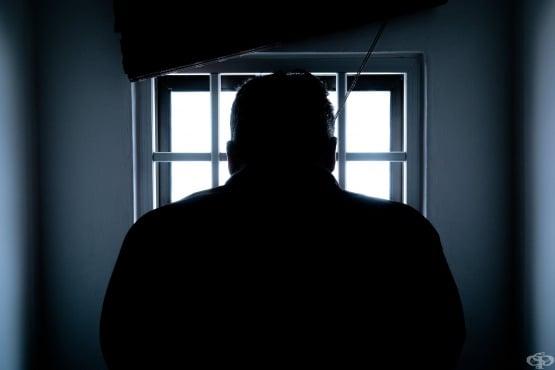 Трябва ли непълнолетните да бъдат наказвани като пълнолетни, ако извършват тежки криминални престъпления? - изображение