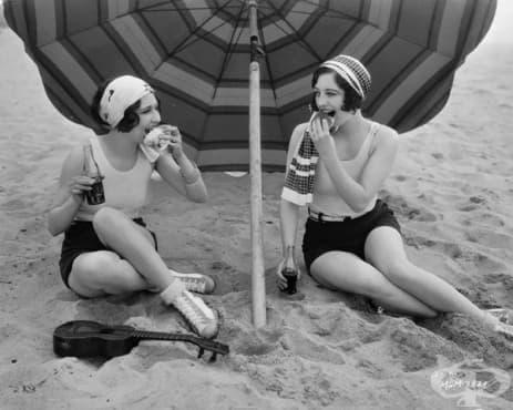 Женската мода от 20-те: фотографии на почти 100 години - изображение