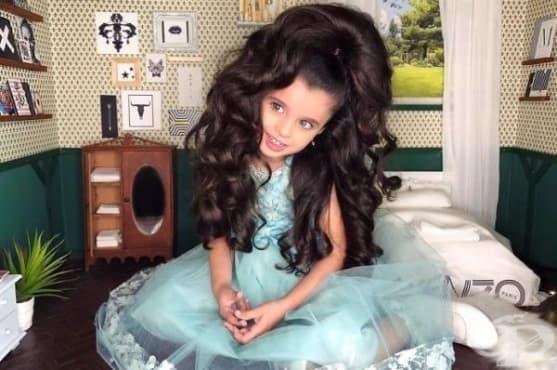 Петгодишна красавица впечатлява с невероятни прически в социалните мрежи - изображение