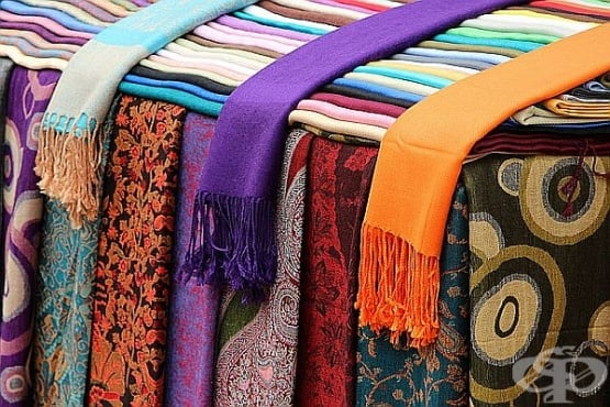 Как да носите със стил своя шал - изображение
