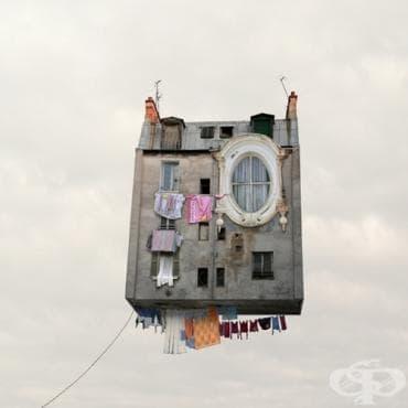 Високо в небето с летящите къщи на Лоран Шехер - изображение