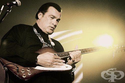 Американският актьор Стивън Сегал идва в София със своя Blues Band - изображение