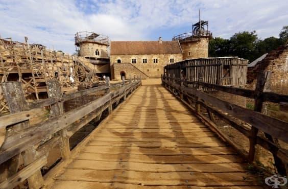 21-ви век: Архитекти строят замък със средновековни материали  - изображение