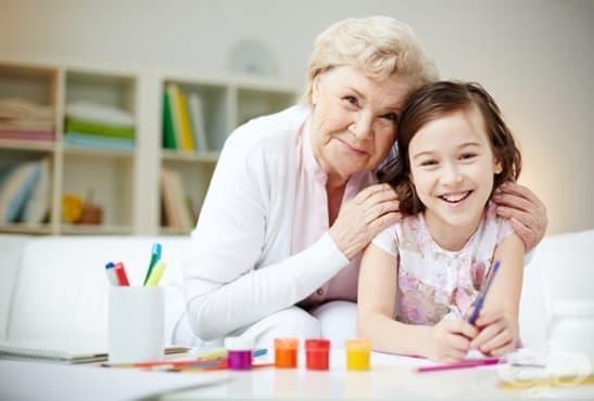 Защо бабите по майчина линия са толкова важни за развитието на детето - изображение