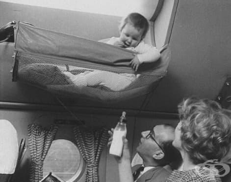 Как са пътували бебетата в самолетите през 50-те години на миналия век? - изображение
