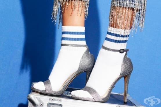Нова мода: Чорапи със сандали - изображение