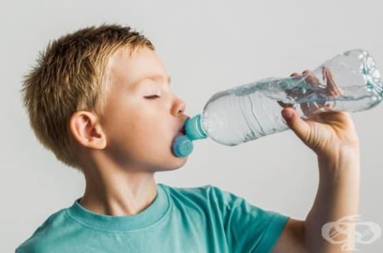 Вода вместо сода: изграждане на здравословни навици сред децата - изображение