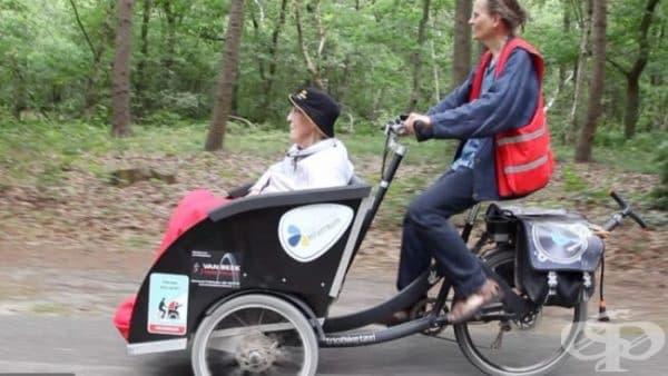 """""""Колоездене без възраст"""" - доброволци от цял свят возят стари хора с рикша - изображение"""