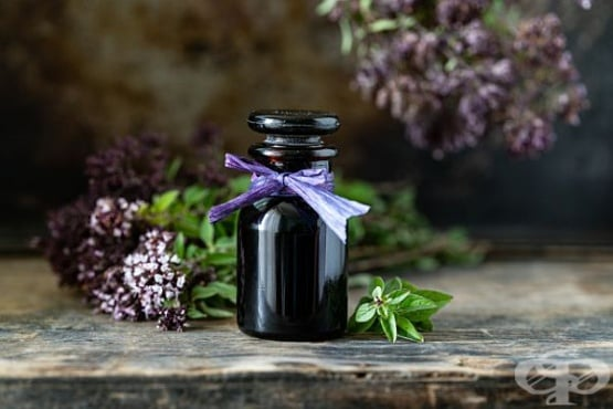 Етерични масла за суха и изтощена коса - изображение