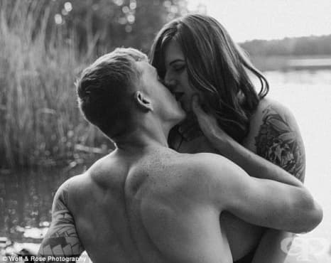 Вдъхновяващо: Жена с наднормено тегло и нейният годеник в една интимна фотосесия - изображение