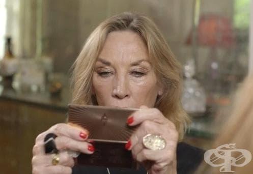 Урок по грим за жените над 60 от гримьорката на звездите Шарлът Тилбъри - изображение