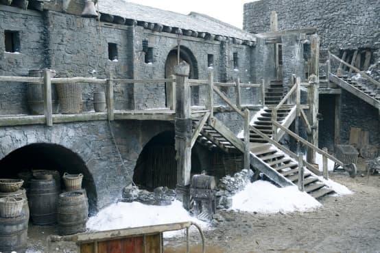 Отправете се на пътешествие до Зимен Хребет, Черния замък и Кралски чертог - изображение