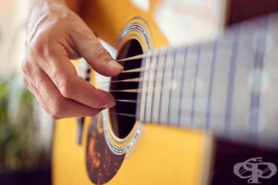 Как акустичната китара се превърна в електрическа - изображение