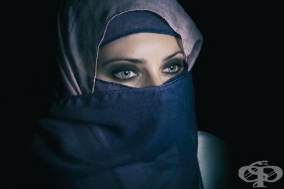 Вижте как трябва да се обличат жените според жителите на Близкия изток - изображение
