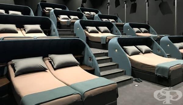 Швейцарско кино заменя седалките с легла - изображение
