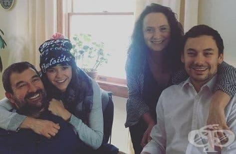 Семейна идилия: Актрисата Нина Добрев говори на български и прави баница със семейството си - изображение