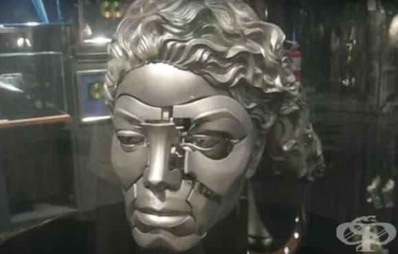 Сюрреалистичните колекции от странни скъпи джаджи на Майкъл Джексън - изображение