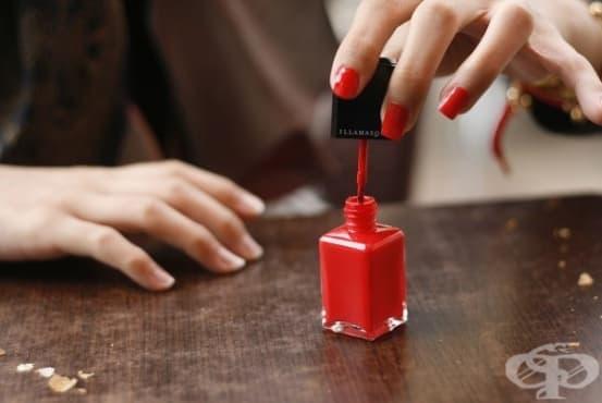 Какво се случва с тялото ви 10 часа, след като си лакирате ноктите? - изображение