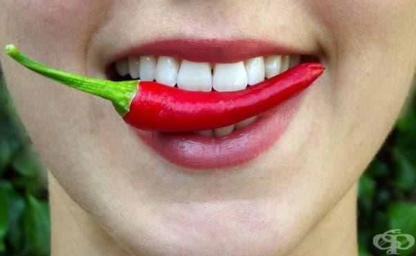 Състезания по ядене на люти чушки - израз на парещата любов към зеленчука - изображение