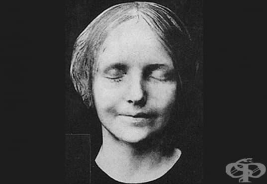 """Историята на френското момиче, чието удавяне го превръща в """"най-целуваното на всички времена"""" - изображение"""