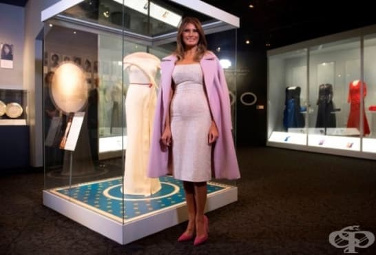Мелания Тръмп дари емблематична рокля на американски музей - изображение