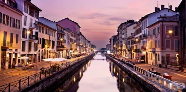 Забраниха използването на стиковете за селфи в Милано - изображение