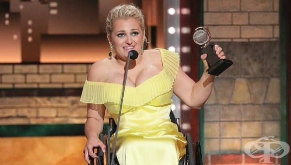 За първи път: Актриса от Бродуей в инвалидна количка спечели театралната награда Тони - изображение