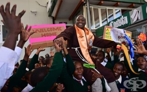 Монахът учител от Кения, който помага на бедните, след като печели престижна награда - изображение