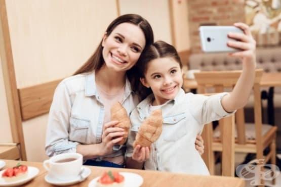 Как социалните медии влияят върху самочувствието на родителите - изображение
