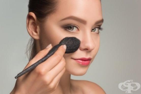 Основни стъпки в полагането на грим на лицето - изображение