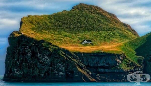 Най-самотната къща в Исландия и легендите, свързани с нея - изображение