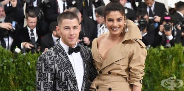 След месеци флиртуване Приянка Чопра и Ник Джонас са официална двойка - изображение