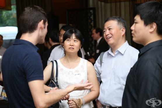 Родители дубльори в Китай се срещат с учители и любовници  - изображение