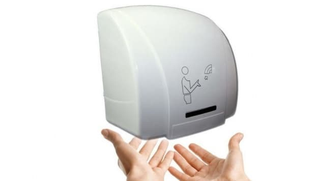 Грозната истина за сешоарите за ръце в публичните тоалетни - изображение