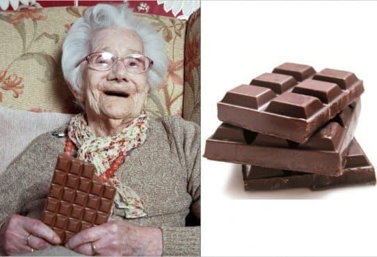 Баба на 104 г. твърди, че тайната на дълголетието й е 1 шоколад на ден - изображение