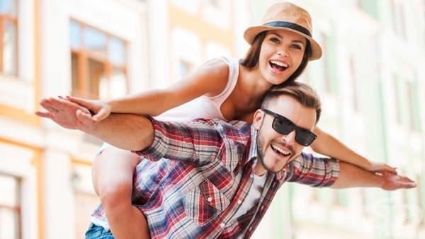 Щастливите двойки виждат останалите хора по-непривлекателни, според науката - изображение
