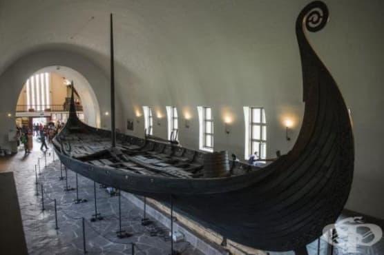 Следи от викингски кораб са открити в надгробна могила в Норвегия - изображение
