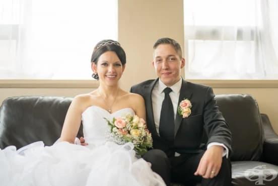 Сватба в болница: фотограф снима булка с неизлечимо болната й майка - изображение