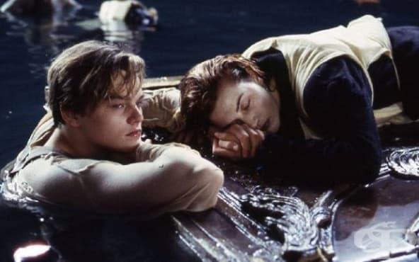 Джеймс Камерън обяснява защо Роуз не споделя вратата с Джак в Титаник - изображение