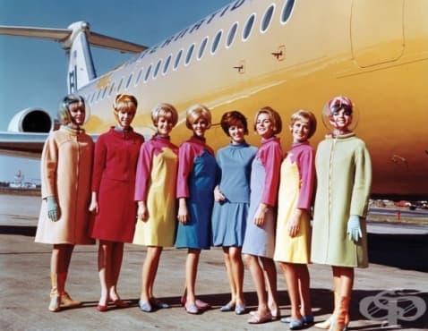 Еволюцията на униформите на стюардесите през годините - изображение