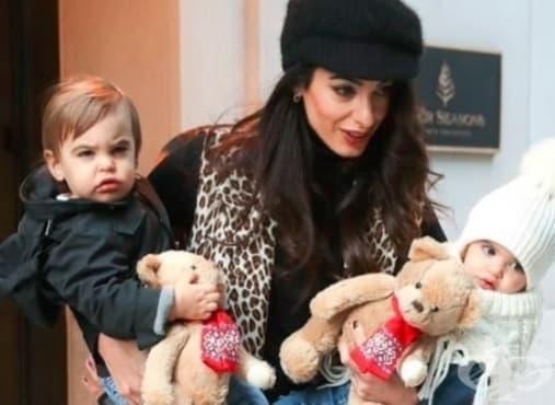 Съпругата на Джордж Клуни показа близнаците Елза и Александър - изображение
