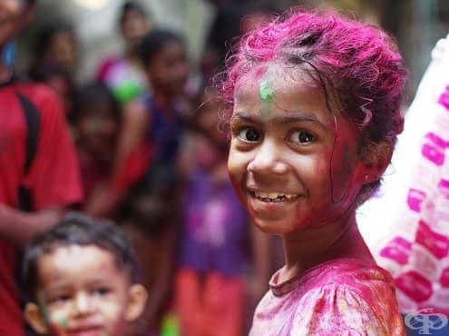Индийският фестивал Холи е цветно тържество на добротата - изображение